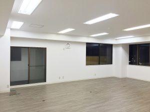 商業ビルの内装リフォーム1・壁紙(クロス)